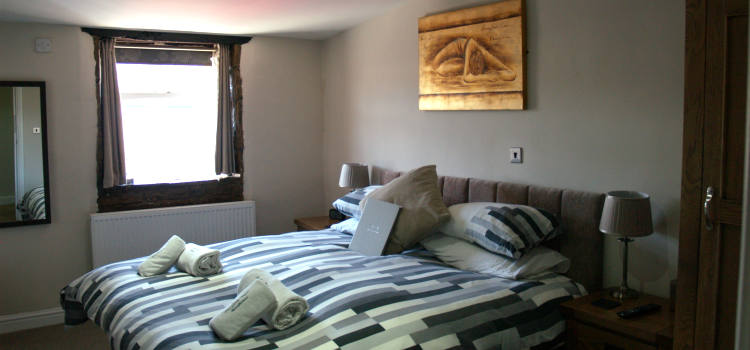 The Guesthouse Worsthorne bedroom